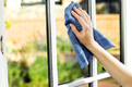 Ajtó- és ablaktisztítás